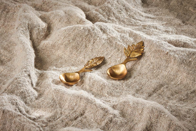 Nkuku TABLE ACCESSORIES Leaf Brass Short Spoons